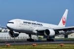 Frankspotterさんが、伊丹空港で撮影した日本航空 777-246の航空フォト(飛行機 写真・画像)