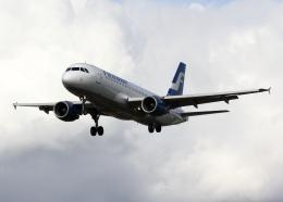 tuckerさんが、ロンドン・ヒースロー空港で撮影したフィンエアー A320-214の航空フォト(飛行機 写真・画像)