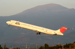 shibu03さんが、鹿児島空港で撮影した日本航空 MD-81 (DC-9-81)の航空フォト(飛行機 写真・画像)