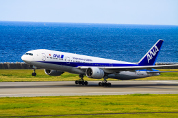 rokko2000さんが、神戸空港で撮影した全日空 777-281の航空フォト(飛行機 写真・画像)
