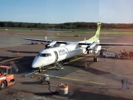 kahluamilkさんが、ヘルシンキ空港で撮影したエア・バルティック DHC-8-402Q Dash 8の航空フォト(飛行機 写真・画像)