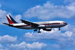 パール大山さんが、成田国際空港で撮影したフィリピン航空 A300B4-103の航空フォト(飛行機 写真・画像)