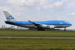 nobu2000さんが、アムステルダム・スキポール国際空港で撮影したKLMオランダ航空 747-406Mの航空フォト(飛行機 写真・画像)