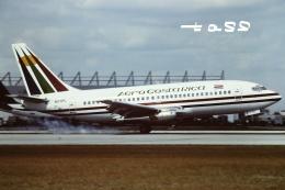 tassさんが、マイアミ国際空港で撮影したアエロ・コスタ・リカ 737-2L9/Advの航空フォト(飛行機 写真・画像)