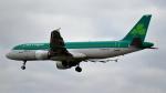 誘喜さんが、ロンドン・ヒースロー空港で撮影したエア・リンガス A320-214の航空フォト(飛行機 写真・画像)