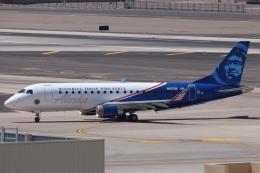 キャスバルさんが、フェニックス・スカイハーバー国際空港で撮影したホライゾン航空 ERJ-170-200 LR (ERJ-175LR)の航空フォト(飛行機 写真・画像)