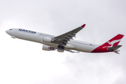 mameshibaさんが、シドニー国際空港で撮影したカンタス航空 A330-303の航空フォト(飛行機 写真・画像)