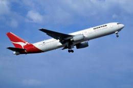 パール大山さんが、シドニー国際空港で撮影したカンタス航空 767-336/ERの航空フォト(飛行機 写真・画像)
