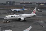 kuro2059さんが、羽田空港で撮影した日本航空 777-246/ERの航空フォト(飛行機 写真・画像)