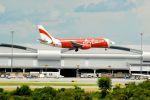 まいけるさんが、スワンナプーム国際空港で撮影したタイ・エアアジア 737-3T0の航空フォト(飛行機 写真・画像)