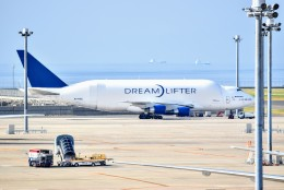 のぶさん。さんが、中部国際空港で撮影したボーイング 747-4J6(LCF) Dreamlifterの航空フォト(飛行機 写真・画像)