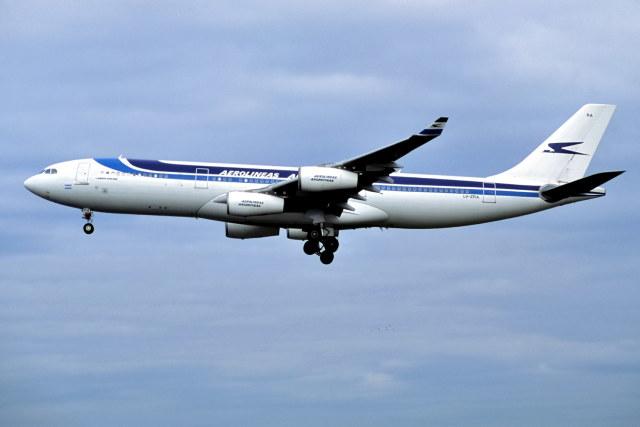 2001年01月08日に撮影されたアルゼンチン航空の航空機写真