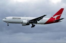 パール大山さんが、シドニー国際空港で撮影したカンタス航空 767-238/ERの航空フォト(飛行機 写真・画像)