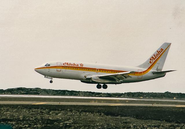 rokko2000さんが、リフエ空港で撮影したアロハ航空 737-202Cの航空フォト(飛行機 写真・画像)