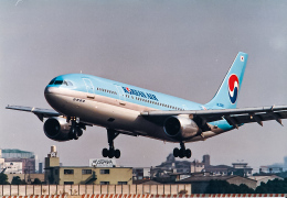 rokko2000さんが、伊丹空港で撮影した大韓航空 A300B4-103の航空フォト(飛行機 写真・画像)