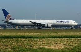 パール大山さんが、アムステルダム・スキポール国際空港で撮影したコンチネンタル航空 767-424/ERの航空フォト(飛行機 写真・画像)
