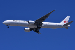 TOPAZ102さんが、伊丹空港で撮影した日本航空 777-346/ERの航空フォト(飛行機 写真・画像)
