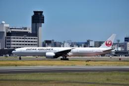 T.Sazenさんが、伊丹空港で撮影した日本航空 777-346/ERの航空フォト(飛行機 写真・画像)