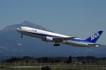 うさぎぱぱさんが、鹿児島空港で撮影した全日空 767-381の航空フォト(飛行機 写真・画像)