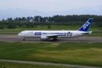 寝台特急出羽さんが、庄内空港で撮影した全日空 767-381/ERの航空フォト(飛行機 写真・画像)
