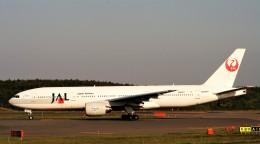 にしやんさんが、新千歳空港で撮影した日本航空 777-246の航空フォト(飛行機 写真・画像)