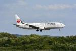Gambardierさんが、岡山空港で撮影した日本航空 737-846の航空フォト(飛行機 写真・画像)