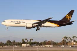 masa707さんが、ロングビーチ空港で撮影したUPS航空 767-34AF/ERの航空フォト(飛行機 写真・画像)