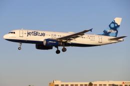 masa707さんが、ロングビーチ空港で撮影したジェットブルー A320-232の航空フォト(飛行機 写真・画像)