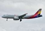 じーく。さんが、那覇空港で撮影したアシアナ航空 A320-232の航空フォト(飛行機 写真・画像)