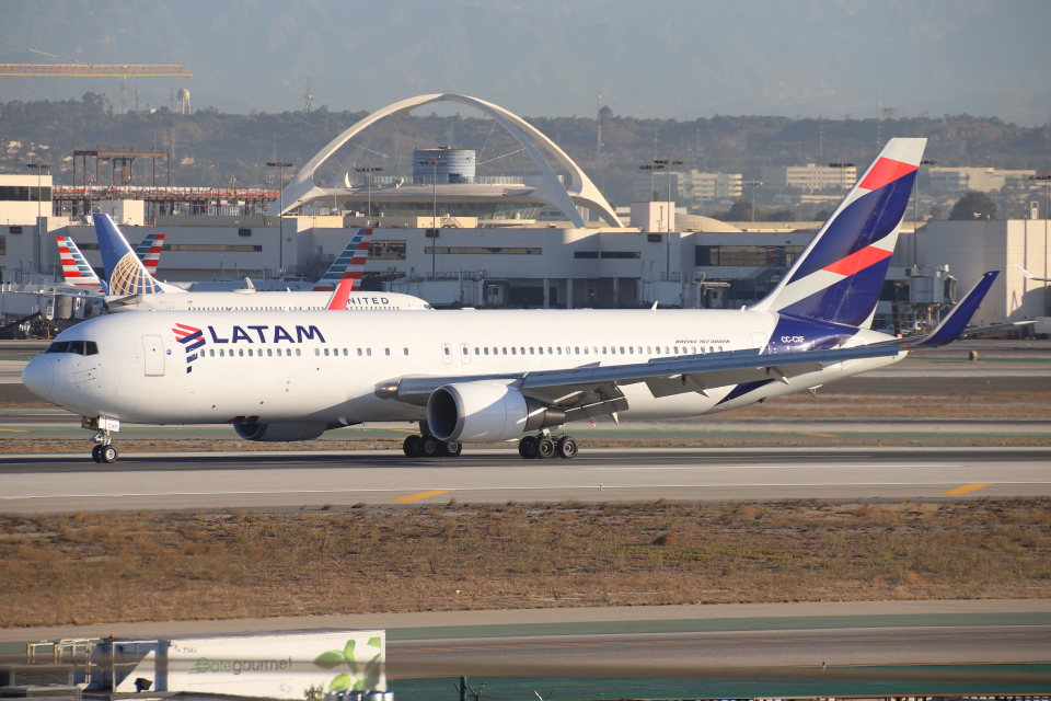 masa707さんのラタム・エアラインズ・チリ Boeing 767-300 (CC-CXF) 航空フォト