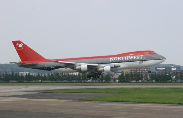 F-4さんが、横田基地で撮影したノースウエスト・オリエント航空 747-251Bの航空フォト(飛行機 写真・画像)