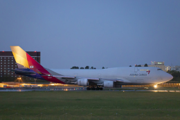 SGR RT 改さんが、成田国際空港で撮影したアシアナ航空 747-48EM(BDSF)の航空フォト(飛行機 写真・画像)