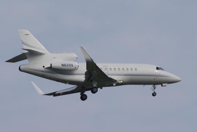 zettaishinさんが、ブラッドレー国際空港で撮影したユタ銀行 Falcon 900EXの航空フォト(飛行機 写真・画像)