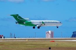 tasho0525さんが、アントニオ・B・ウォン・パット国際空港で撮影したアジア・パシフィック・エアラインズ 727-223(F)の航空フォト(飛行機 写真・画像)