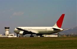 にしやんさんが、函館空港で撮影した日本航空 767-346の航空フォト(飛行機 写真・画像)