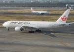 ぶるーすかいさんが、羽田空港で撮影した日本航空 777-246の航空フォト(飛行機 写真・画像)