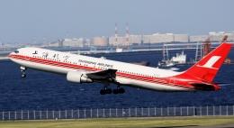 新城良彦さんが、羽田空港で撮影した上海航空 767-3Q8/ERの航空フォト(飛行機 写真・画像)