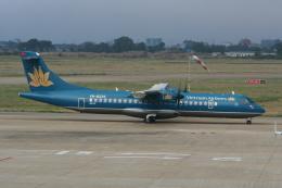 NIKEさんが、タンソンニャット国際空港で撮影したベトナム航空 ATR-72-500 (ATR-72-212A)の航空フォト(飛行機 写真・画像)