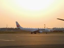 ぶるーすかいさんが、羽田空港で撮影したジェイエア ERJ-190-100(ERJ-190STD)の航空フォト(飛行機 写真・画像)