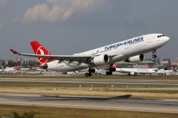 TIA spotterさんが、アタテュルク国際空港で撮影したターキッシュ・エアラインズ A330-203の航空フォト(飛行機 写真・画像)