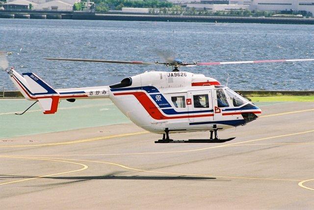ゴンタさんが、横浜ヘリポートで撮影した神奈川県警察 BK117B-2の航空フォト(飛行機 写真・画像)