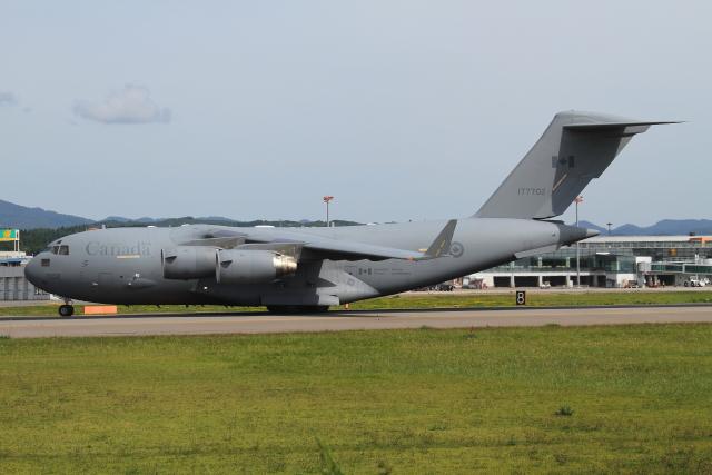 TIA spotterさんが、函館空港で撮影したカナダ軍 CC-177 Globemaster IIIの航空フォト(飛行機 写真・画像)
