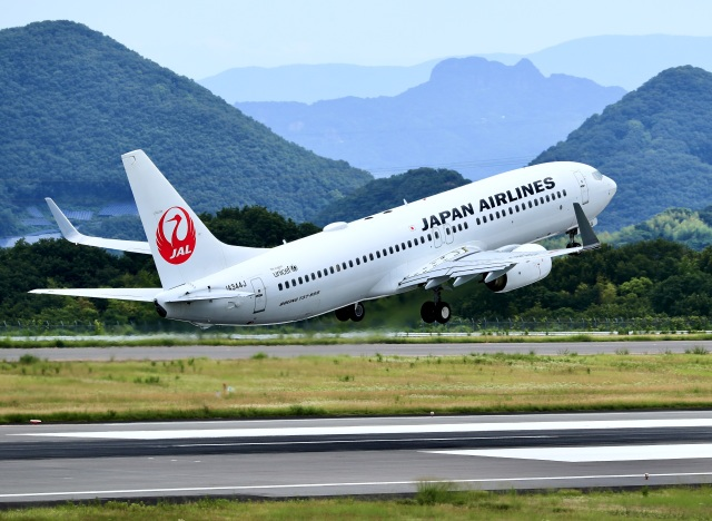 くれないさんが、高松空港で撮影したJALエクスプレス 737-846の航空フォト(飛行機 写真・画像)