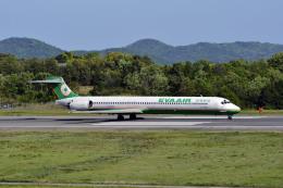 Gambardierさんが、岡山空港で撮影したエバー航空 MD-90-30の航空フォト(飛行機 写真・画像)