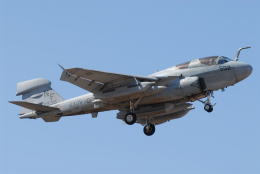 banshee02さんが、厚木飛行場で撮影したアメリカ海兵隊 EA-6B Prowler (G-128)の航空フォト(飛行機 写真・画像)