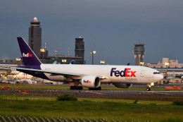 おかめさんが、成田国際空港で撮影したフェデックス・エクスプレス 777-FS2の航空フォト(飛行機 写真・画像)