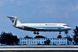 パール大山さんが、マイアミ国際空港で撮影したバハマスエア 111-401AK One-Elevenの航空フォト(飛行機 写真・画像)