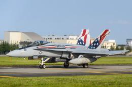 筑波のヘリ撮りさんが、横田基地で撮影したアメリカ海兵隊 F/A-18C Hornetの航空フォト(飛行機 写真・画像)