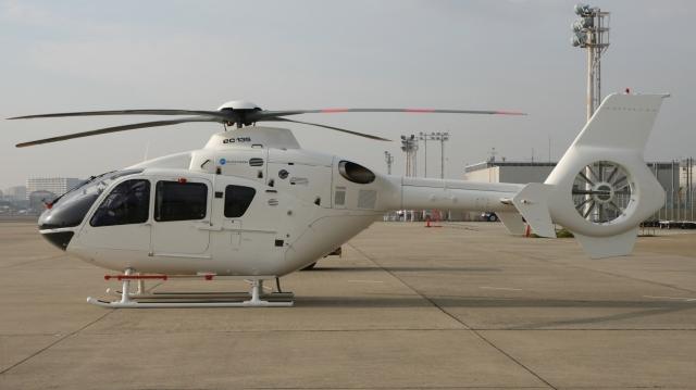 cathay451さんが、伊丹空港で撮影したユーロヘリ EC135P2+の航空フォト(飛行機 写真・画像)