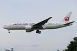 水月さんが、伊丹空港で撮影した日本航空 777-246/ERの航空フォト(飛行機 写真・画像)